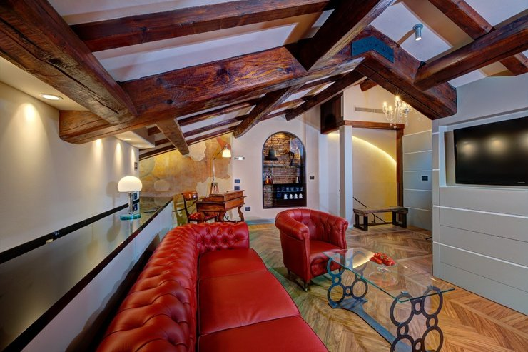 Suites  art hotel commercianti bolonia